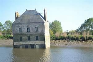 Arum Dans La Maison : maison dans la loire wikip dia ~ Melissatoandfro.com Idées de Décoration