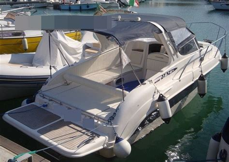 motoscafo cabinato vendita 242 marine 22 52 cabin