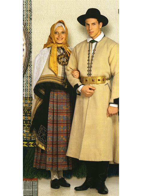 Kuldīgas tautas tērps. Kurmāles brunči. | Traditional ...