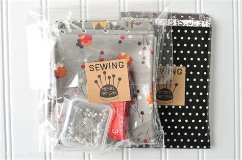 diy mason jar sewing kit   printable  polka