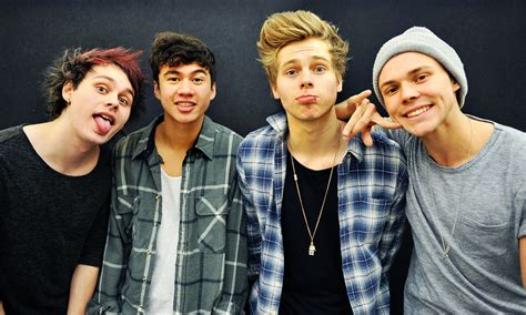 Pop Charts Aussie Boy Band 5 Seconds Of Summer Has Huge