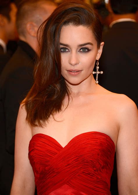 game  thrones star emilia clarke joins cast  young
