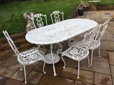 Cast Iron Garden Furniture  Table And 5 Chairs White