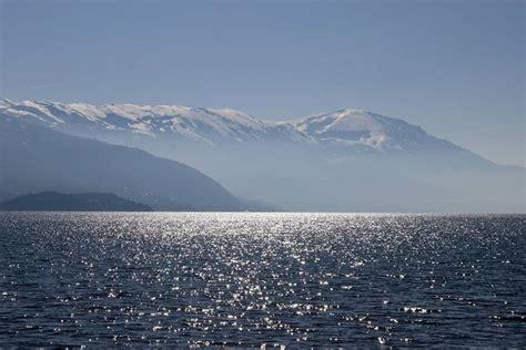 Përse Liqeni i Ohrit është kaq i pastër? - American Eye