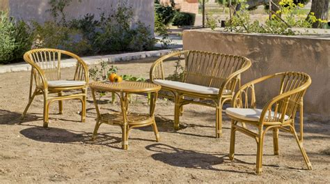 canape en osier ou rotin salon de jardin rotin 1 canapé 2 fauteuils 1 table sur