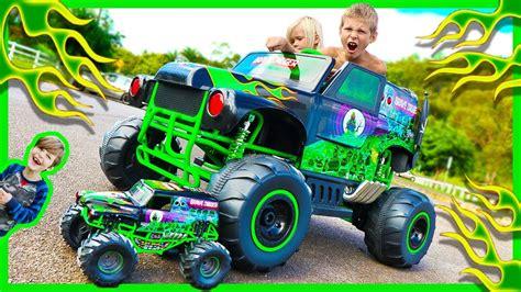 wheels monster truck grave digger power wheels ride on monster truck grave digger crushes rc