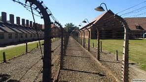 Auschwitz survivors leave death camp