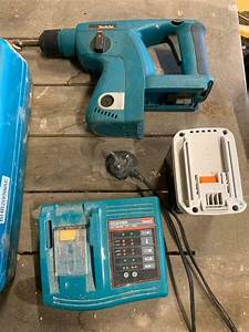 Makita 24v Sds Drill Bhr200wae  Charger  Case  New Battery