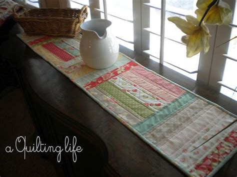 simple table runner patterns simple table runner by sherriquilts quilting pattern