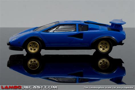 The 1/64 Lamborghini Countach Lp500s From Kyosho, A Review