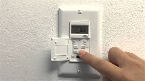 In-wall Programmable Digital Timer Switch