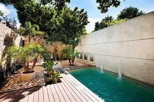 maison design contemporain avec une decoration mexicaine With mobilier de piscine design 5 deco mur exterieur homeandgarden