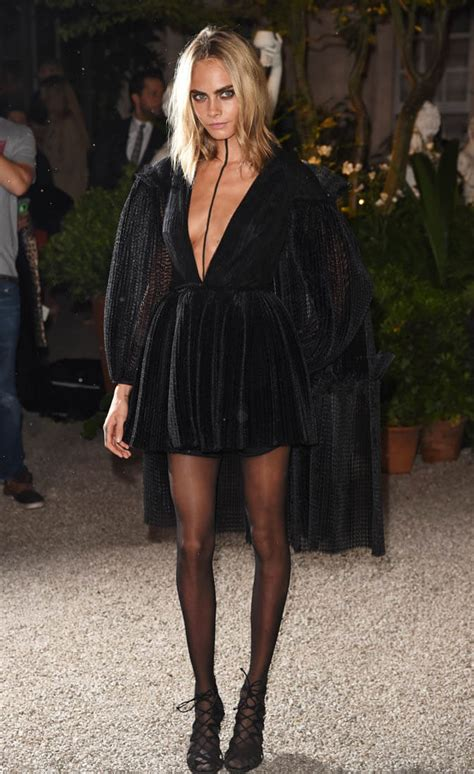 delevingne  burberry show  london fashion week  black  painted