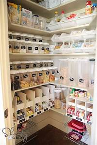30 clever ideas to organize your kitchen girl in the garager for Organizing your pantry shelves