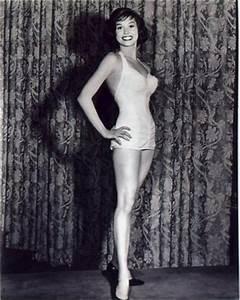 Mary Tyler Moore pin up model bathing suit! | Bikini ...