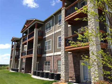 1 Bedroom Apartments In Manhattan Ks by Bellerive Luxury Apartments Manhattan Ks Apartment Finder