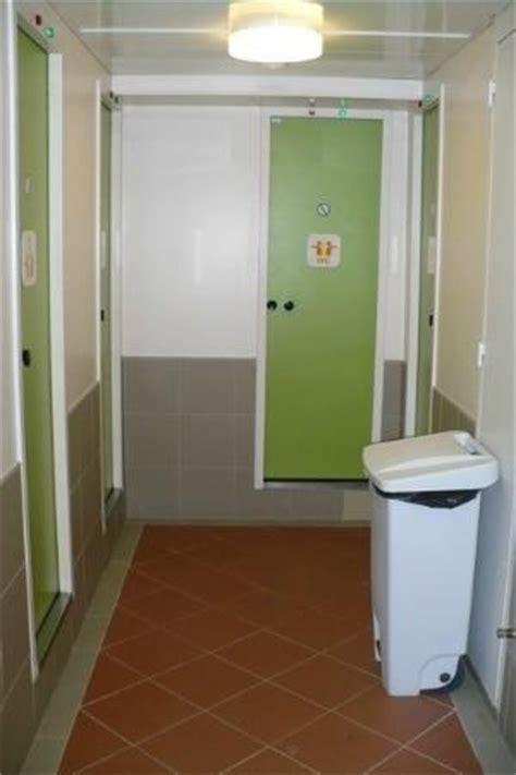 sdb picture of hotelf1 porte de montmartre