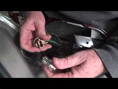 johnny sells how to replace l on 2005 09 subaru