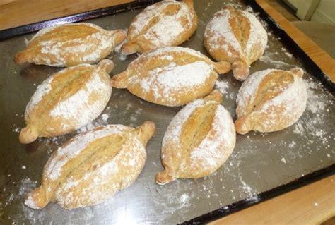 portuguese bread portuguese bread recipes papo secos crusty rolls recipe and technique