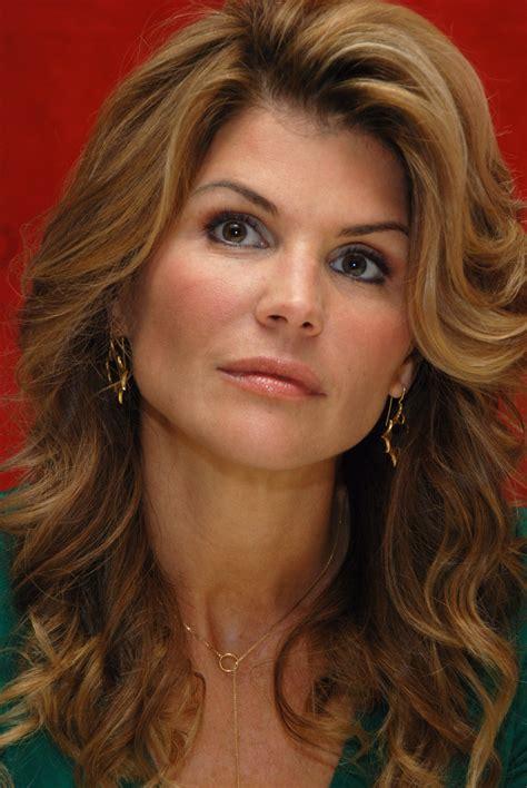 Lori Loughlin   Celebrities lists.