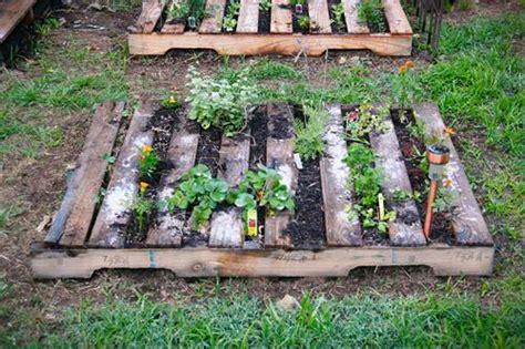 Diy Pallet Garden Bed