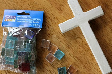Easy And Inexpensive Mosaic Crosses Kids Can Make To Give
