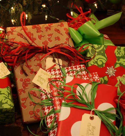 our southern nest christmas gift wrapping party