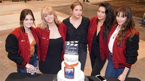 Lucy Hale, Sasha Pieterse, Ashley Benson, Shay Mitchell ...