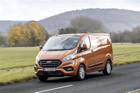 ford transit custom officially unveiled