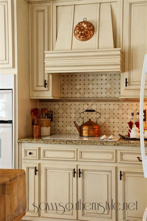 country kitchen range hoods savvy southern style canvas in the kitchen 6126