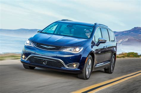 2017 chrysler pacifica hybrid production begins motor trend