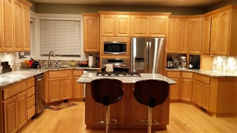 glass in kitchen cabinets need backsplash help for alaksa white granite maple cabinets 3783