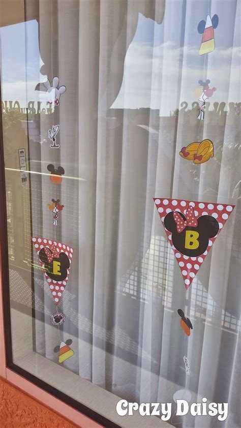 When Do Disney Hotels Decorate For - best 20 disney window decoration ideas on