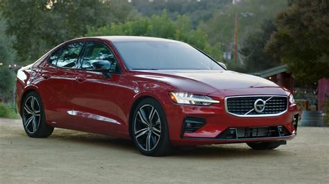 volvo   awd  design fusion red exterior