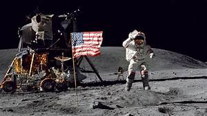 Why Bragging Is Poor Form, According To Buzz Aldrin ...