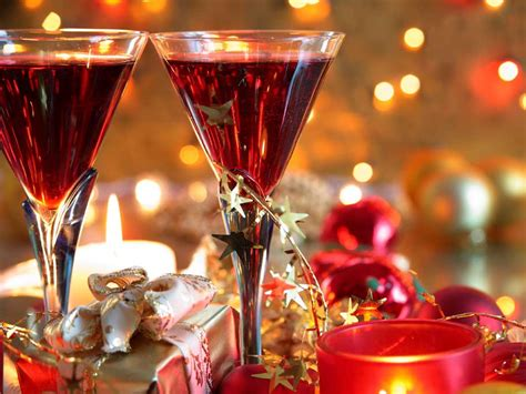 christmas cocktails 5 christmas cocktails to whip up this season glamasia