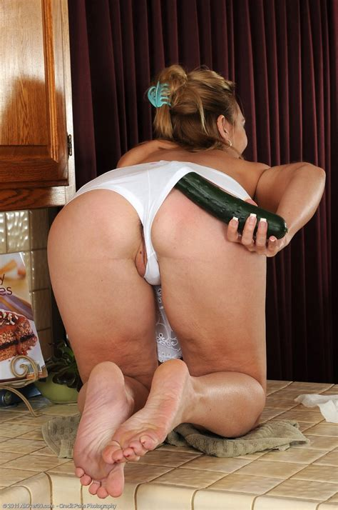 Allover30 Free Presents Samantha With Cucumber