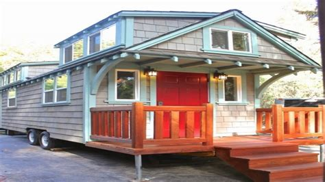 Tiny Homes On Wheels by Tiny House On Wheels Craftsman Tiny Houses On Wheels