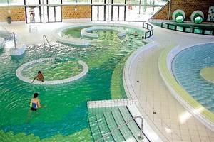 photo centre aquatique du lac With horaire piscine montigny le bretonneux