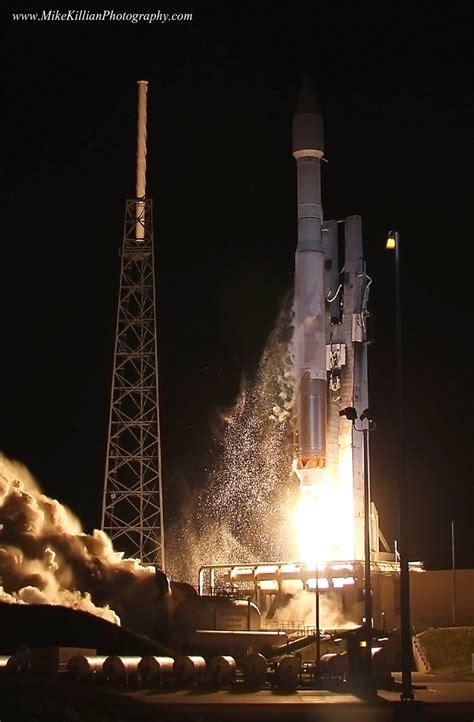 Stunning Astrophoto Captures Awe Inspiring NASA Rocket ...
