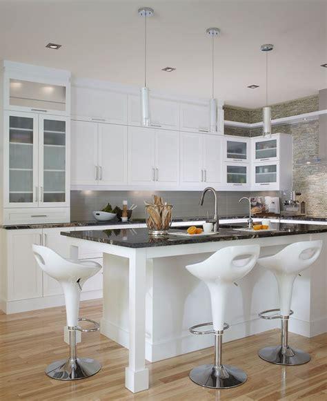 cuisine blanche contemporaine cuisine contemporaine blanche les armoires de cuisine et