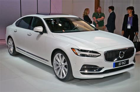 volvo  grows   inches adds upgraded rear
