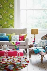 Le tapis multicolore apportez des touches de joie dans l for Tapis chambre bébé avec fleur de bach energie