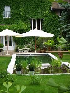 Parasol De Jardin : jardin contemporain 35 id es d 39 am nagement sympathiques ~ Teatrodelosmanantiales.com Idées de Décoration