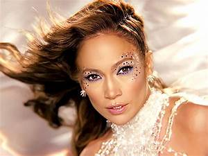 Feel The Light : jennifer lopez dazzles in four space styles for feel the light video ~ Orissabook.com Haus und Dekorationen