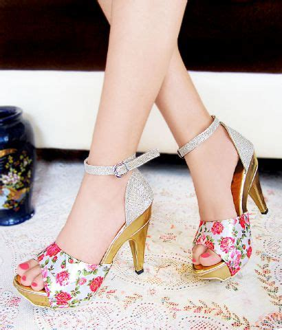 jual high heels white sepatu jinjit putih bunga floral