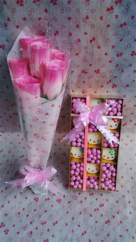 jual coklat  kitty  mawar pink valentine vv