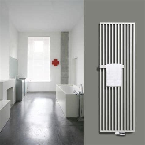 heizkörper mit handtuchhalter vasco arche plus heizk 246 rper mit handtuchhalter wei 223 111180570200011889016 0000 reuter