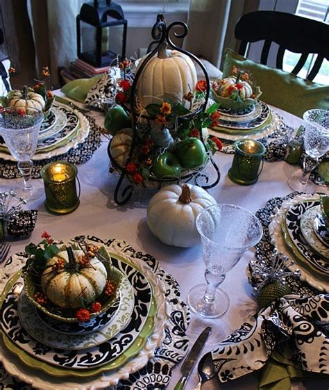 26 thanksgiving table decorations digsdigs 26 elegant black and white thanksgiving d 233 cor ideas digsdigs