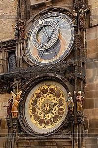 Uhr Mit Fotos : astronomische uhr in prag orloy foto mit hoher aufl sung cliparto ~ Eleganceandgraceweddings.com Haus und Dekorationen